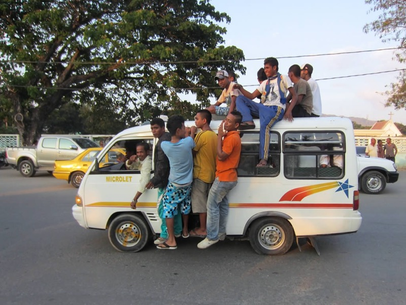 Mikrolet v Dilí