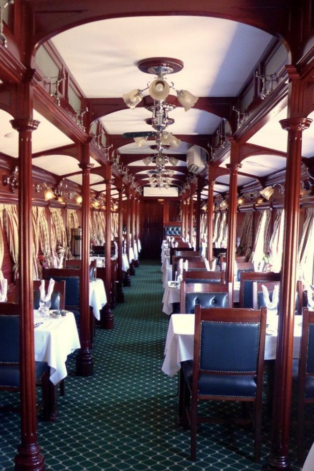 luxury train travel dining car described in rovos rail review