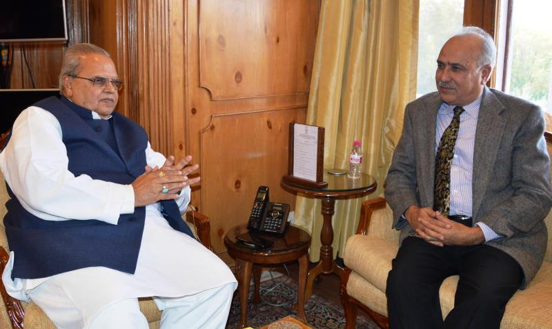 Justice (Retd) Hasnain Masoodi, Chairman of Selection-cum-Oversight Committee under the Juvenile Justice Act called on Governor Satya Pal Malik at Raj Bhavan -jkinf