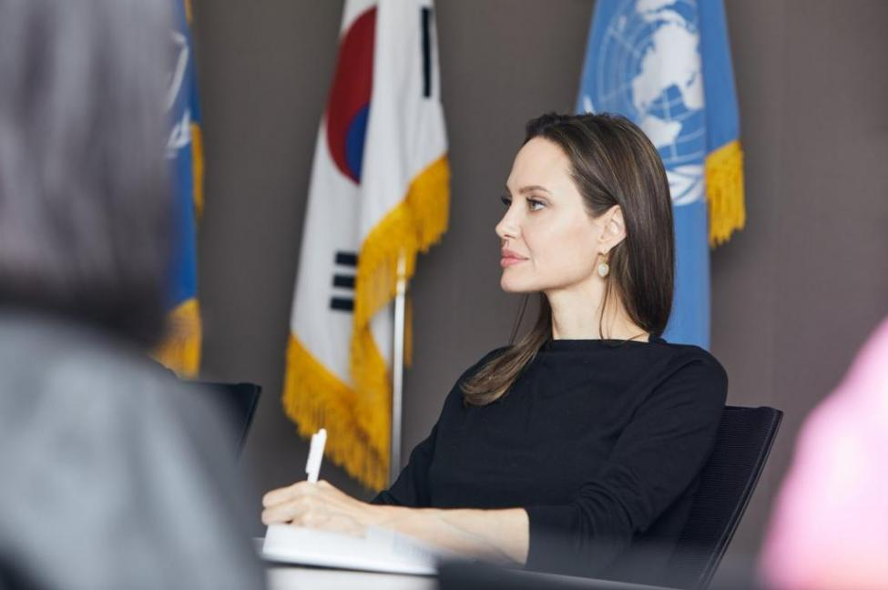 angelina-jolie-visits-seoul-to-call-for-protection-for-yemeni-refugees