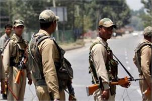 one lakh security personnel have been deployed in the Naxalaffected districts going to polls in the first phase in Chhattisgarh on Monday, amid the threat from Maoists