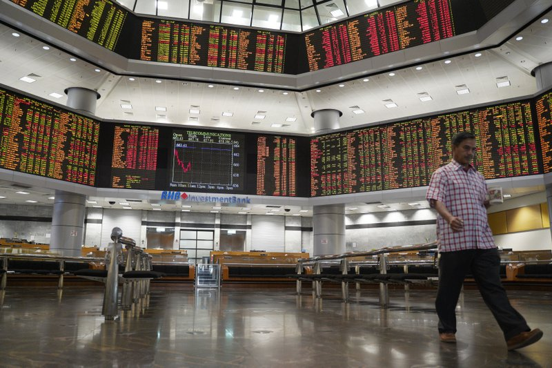 Asian stocks fall after Trump says no plans for Xi meeting