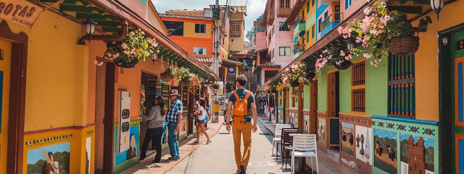 Bezoek kleurrijk Guatapé in Colombia