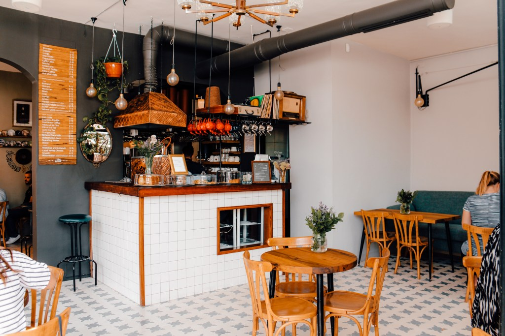 Rumi Amman | Koffie in Amman, Jordanië | The Orange Backpack