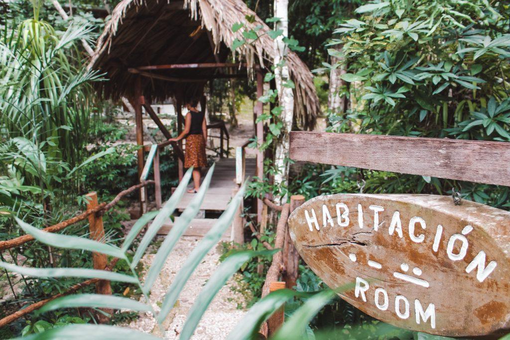 Maya site Yaxha | El Sombrero Ecolodge | Guatemala | TheOrangeBackpack.nl