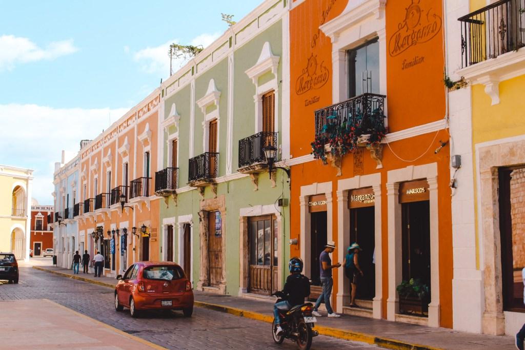 Merida | Yucutan Mexico | De oranje rugzak