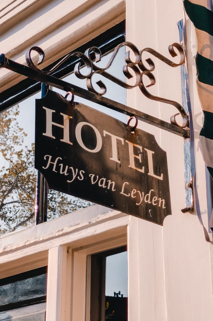 Huys van Leyden | Hotel in Leiden The Orange Backpack