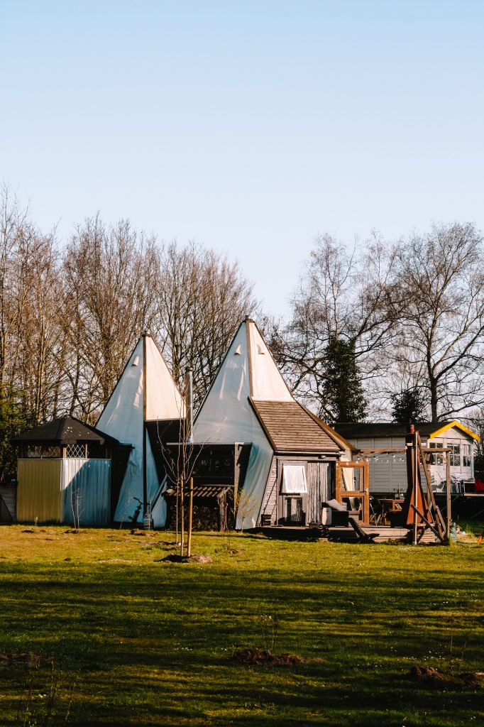 Camping BuitenLand | Uniek overnachten | Tiny houses Drenthe | The Orange Backpack