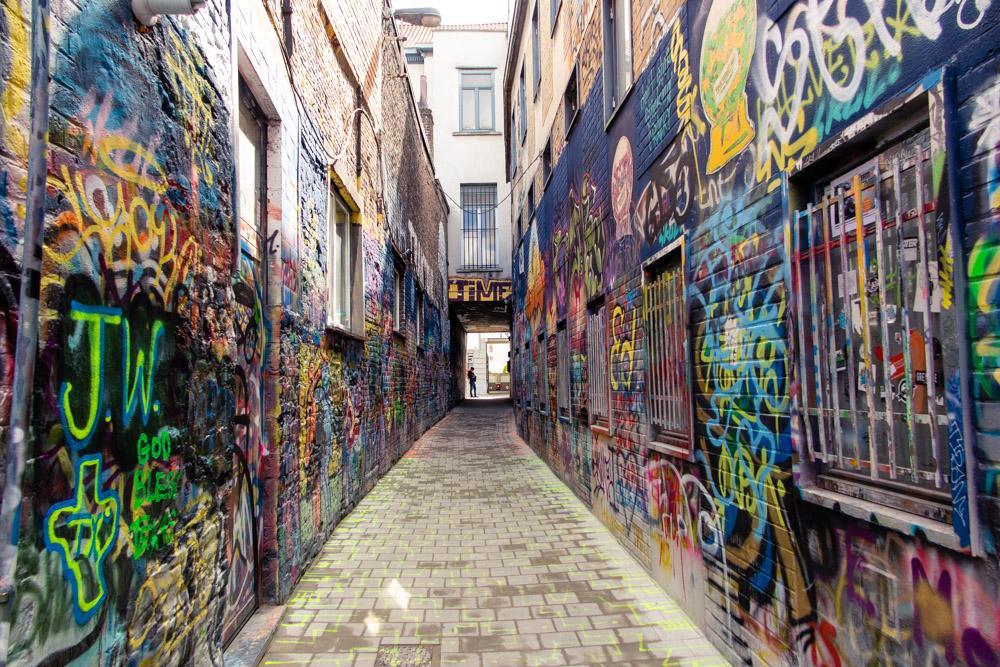 Ghent Graffiti Alley_Veronika TravelGeekery