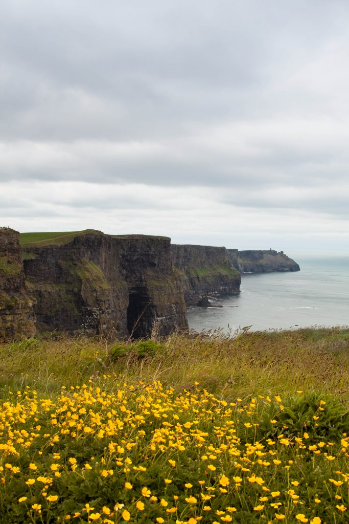 Roadtrip Europe Cliffs Of Moher 2-travel-around-ireland