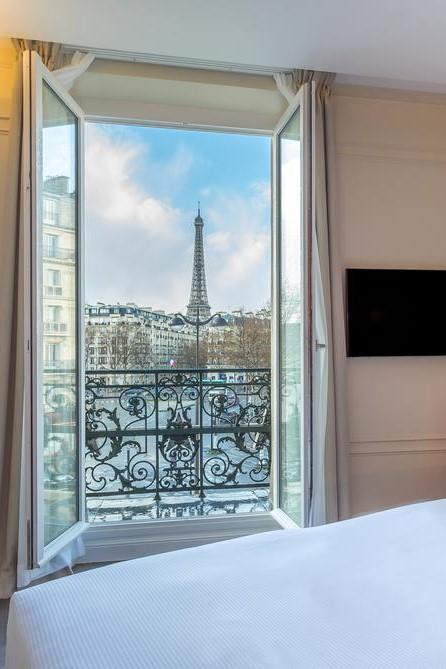 Hotel La Comtesse Eiffel Tower