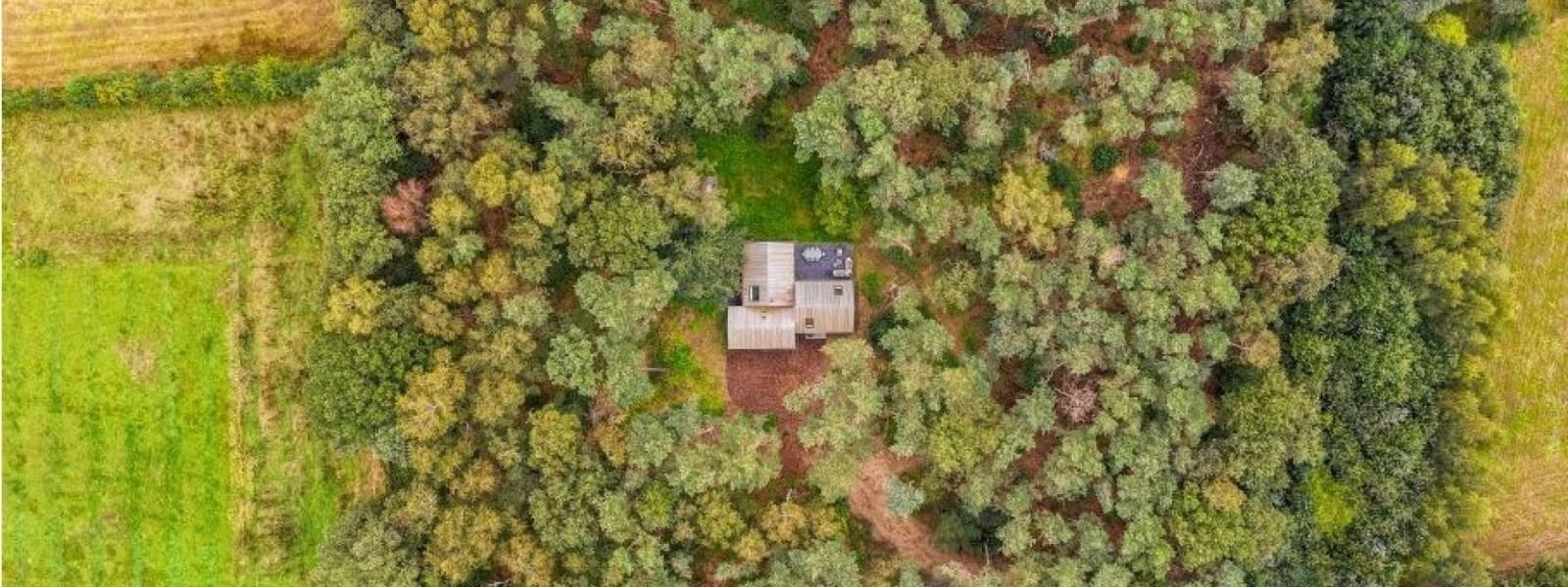Afgelegen huisje huren Nederland: 15 bijzondere natuurhuisjes