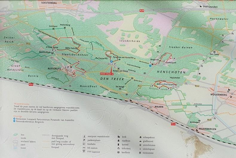 Pyramide van Austerlitz wandelroutes