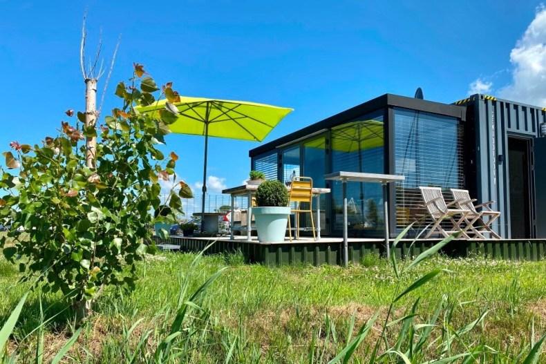 Glamtainer Friesland | Vakantiehuisje aan het water Nederland
