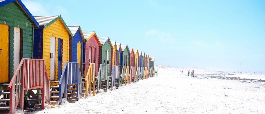 Bijzondere vakantiehuisjes aan zee: 12x uniek overnachten aan zee
