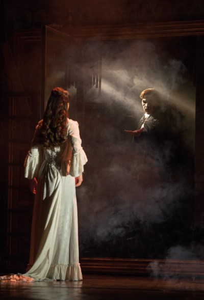 Segerstrom-Center-THE-PHANTOM-OF-THE-OPERA-Katie-Travis-as-Christine-Daae-and-Chris-Mann-as-The-Phantom-Photo-Matthew-Murphy (1)