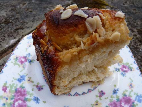honey and almond bun