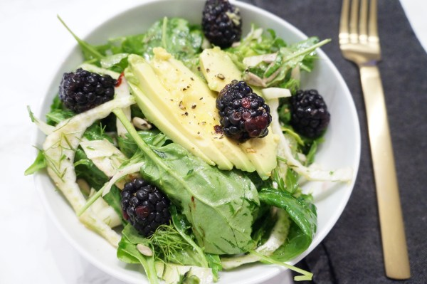 Spinach Fennel Salad with Blackberries | The Organic Beauty Blog
