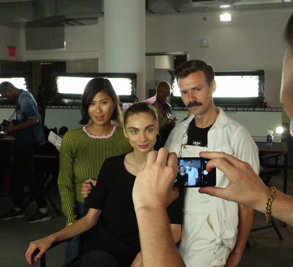 Head of Make-up, Model und der Designer Adam Selman