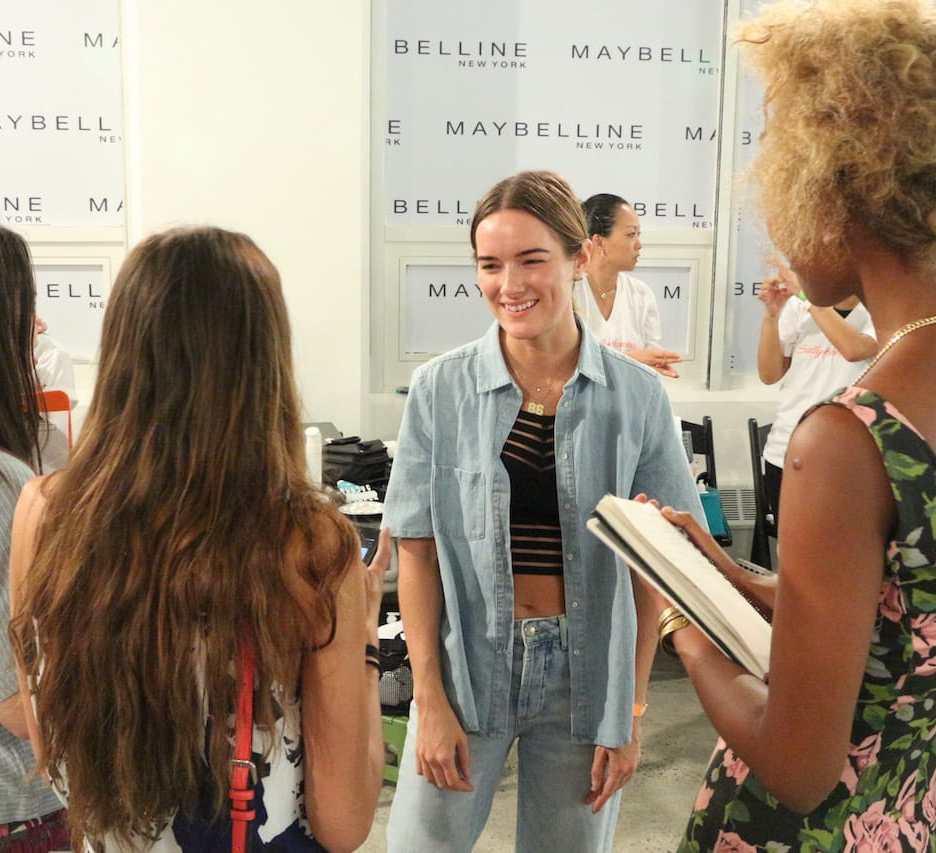 Madeline im Interview-Marathon