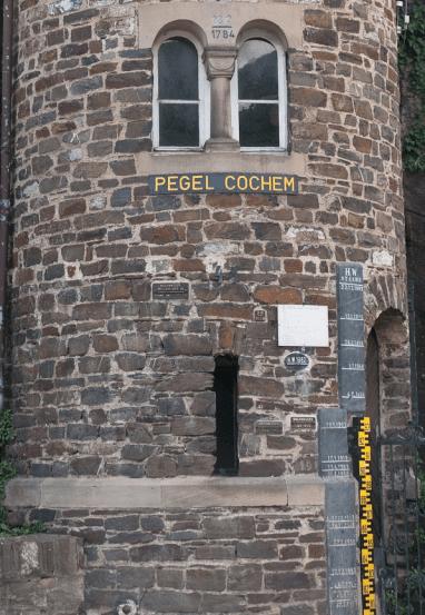 Flood markings in Mosel