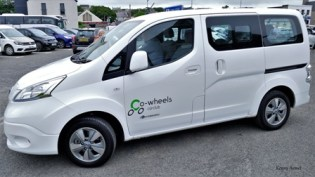 Nissan-NV200 combi by Kenny Armet