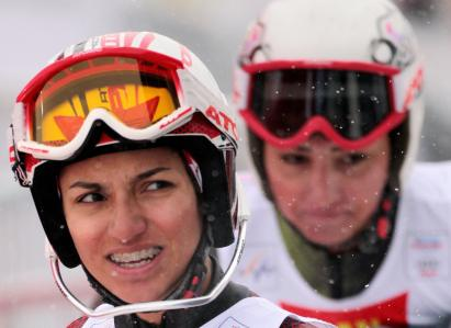 Kalhor, Marjan (L) next to Kalhor, Mitra - Iranian alpine skiers - 2009 World Ski Championships in Val d'Isere, French Alps (Foto Jacques Demarthon-AFP-Getty Images)
