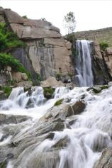 Hamedan, Iran - Ganjnameh's waterfall next to the cuneiform inscriptions of Darius and Xerxes - 3 - Photo credits tishineh.com