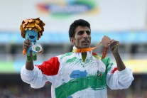 rio-2016-athletics-mens-1500m-t20-bronze-medalist-peyman-nasiri-bazanjani-from-iran-paralympic-games-in-rio-de-janeiro-brazil-foto-buda-mendes-getty-images