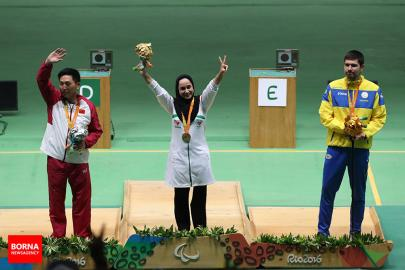 rio-2016-shooting-mixed-50m-pistol-sh1-gold-medalist-sareh-javanmardi-from-iran-paralympic-games-in-rio-de-janeiro-brazil-foto-borna-news-agency