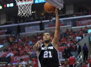 Spurs' Tim Duncan scores 21 with 9 rebounds in winning effort