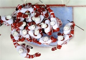 Red Wings celebrate their win