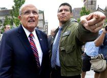 Rudy Giuliani and Gabriel Gomez campaigning in Boston