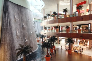 Impressive 4 storey high waterfall in the mall