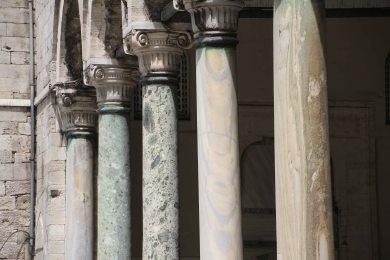 Topkapi Palace - Marble columns