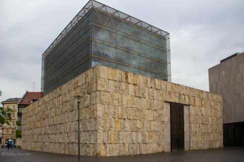 Striking and unusual modern synagogue (built in 2006)