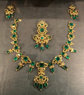 Set of emeralds and brilliants with diadem, necklace, brooch and earrings. Made in 1840. The emeralds themselves were originally a present from Christian VI to Sophie Magdalene in 1723.