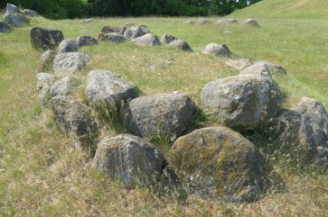 A double ring of stones