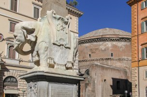 Santa Maria sopra Minerva is often ignored by tourists as they hurry tosee the much more famous Pantheon nearby.