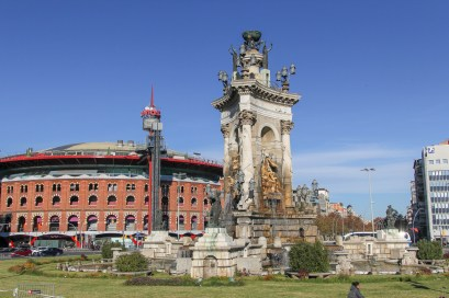 Plaça d'Espanya - fountain & former bullring turned shopping mall