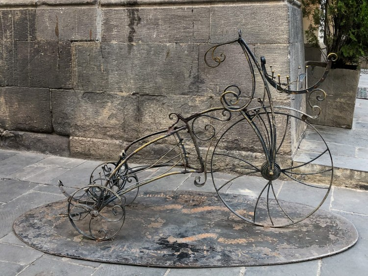 A tricycle. Haven't been able to find any more info about this one.