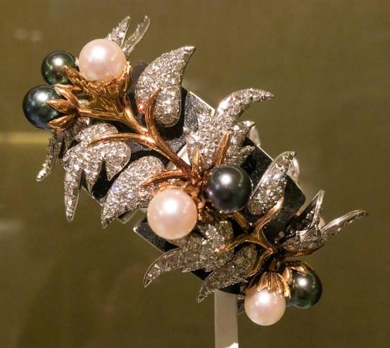 Bracelet, 1964, 18-karat gold, platinum, cultured pearls and diamonds