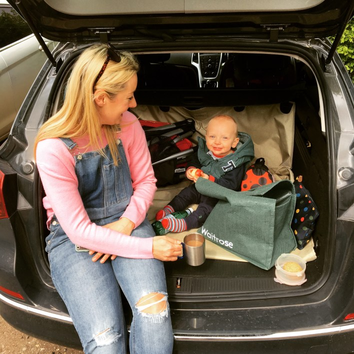 Family car picnic