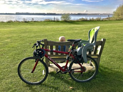 Cycling round Grafham Water: great family day out