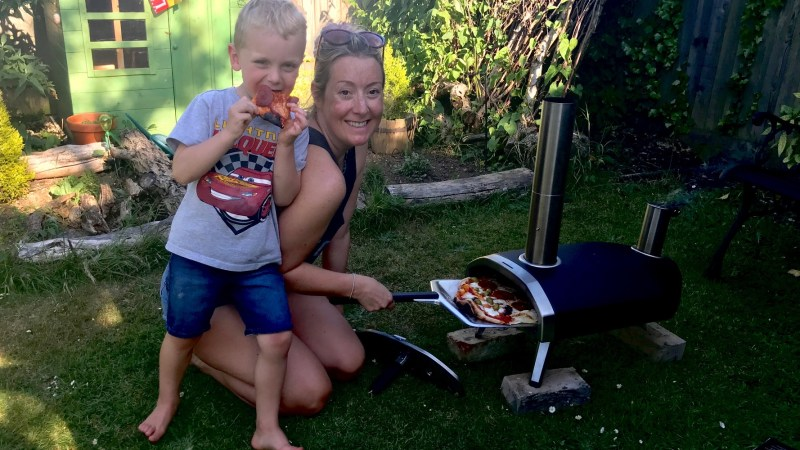 Review: Ooni Fyra portable wood-fired outdoor pizza oven