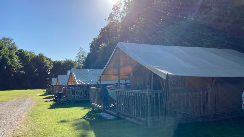 Ready Camp Hayfield: Peak District Glamping