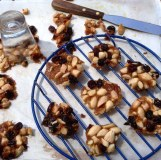 https://thepaddingtonfoodie.com/2013/10/28/gorgeous-little-morsels-almond-and-cranberry-florentines-drizzled-with-white-chocolate/