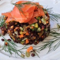 https://thepaddingtonfoodie.com/2013/12/10/eat-fast-and-live-longer-a-5-2-fast-diet-recipe-idea-under-400-calories-inspired-by-my-french-heavens-lentil-and-salmon-salad/