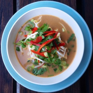 https://thepaddingtonfoodie.com/2014/03/14/eat-fast-and-live-longer-a-5-2-diet-meal-idea-under-400-calories-spicy-thai-coconut-soup-with-snapper-prawns-and-rice-noodles/