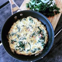 https://thepaddingtonfoodie.com/2015/07/13/eat-fast-and-live-longer-a-5-2-fast-diet-recipe-idea-under-300-calories-kale-and-bacon-frittata-dressed-with-a-fresh-kale-and-fennel-salad/